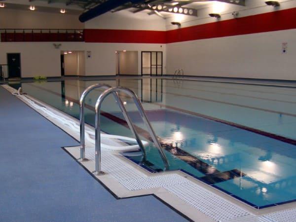 Altro marine 20 t20 suelos antideslizantes para vestuarios for Suelos antideslizantes para piscinas